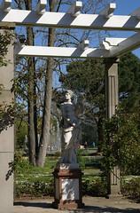 Palmengarten, Rosengarten / rose garden (HEN-Magonza) Tags: sculpture nature deutschland flora hessen frankfurt natur skulptur palmengarten rosegarden gemany rosengarten hesse