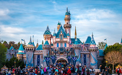 Disneyland Castle 1_3_2016 (Domtabon) Tags: california castle disneyland disney dl dlr sleepingbeauty sleepingbeautycastle disneylandresort mousewait