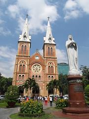 """Ho Chi Minh Ville: la cathédrale Notre-Dame <a style=""""margin-left:10px; font-size:0.8em;"""" href=""""http://www.flickr.com/photos/127723101@N04/24369655020/"""" target=""""_blank"""">@flickr</a>"""