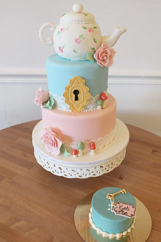 Alice in Wonderland Tea Party Cake with smash cake