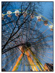 La roue tourne, rien ne sert de rsister... (jean76_58) Tags: urban colors pentax couleurs granderoue urbain jean7658
