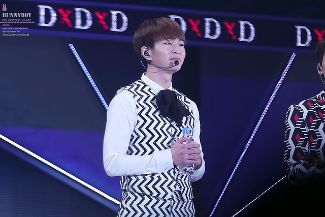 160206 Onew @ 'SHINee WORLD 2016 DxDxD in Fukui' 24703750829_7a2e2eb18a_z