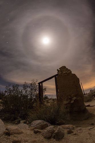 22° moon halo above the ruins of the Marshal South house