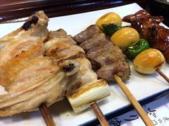 Assorted chicken skewers from Toriyasu @ Toranomon (Fuyuhiko) Tags: from chicken tokyo  assorted skewers toranomon     toriyasu