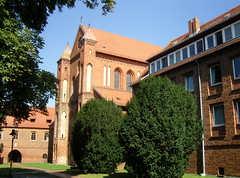 Am Kloster Lehnin, Brandenburg ... (bayernernst) Tags: park deutschland kirche september brandenburg klosterkirche 2013 lehnin klosterlehnin 07092013 snc17016
