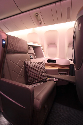 On Board Singapore Airlines B777-300ER