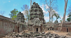 Its creepy ancient in here! (paul.trottier) Tags: panorama temple iso800 cambodia courtyard handheld f11 complex stitched photoshopcs2 angkorthom lauracroft filmed 4frame tombraiders 1500sec taphrohm panoramamaker6 nikond610 paultrottier 20mmf18glens