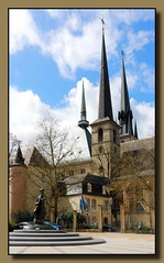 Cathdrale Notre-Dame de Luxembourg (p_jp55 (Jean-Paul)) Tags: church cathedral kathedrale kirche cathdrale luxembourg glise luxemburg notredamecathedral saarlorlux stadtluxemburg ltzebuerg cathdralenotredamedeluxembourg cityofluxembourg villedeluxembourg stadltzebuerg placedeclairefontaine kathedraleunsererliebenfrauvonluxemburg