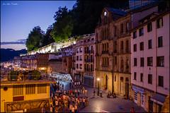 San Sebastan (JLCB PHOTO) Tags: noche san fiesta pueblo ciudad colores nocturna donosti vasco pais fuegos artificiales sebabastian