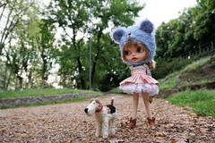 That was a good morning walk......now o head back for some breakfast! (Kewty-pie) Tags: bear park travel milan leather outfit doll boots helmet lolita blythe custom foxterrier tintabernacle dollphotography mimsybueno maudib05 marywind kratiascrafts