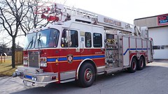 Oakville Fire Department Old Ladder 242 (Canadian Emergency Buff) Tags: old ontario canada fire ladder firedept department ff firedepartment oakville spartan gladiator 242 quint smeal oakvillefire oakvillefiredepartment l242 oakvillefirerescue oakvillefirerescueservices
