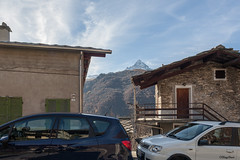 il Monviso tra le case (Clay Bass) Tags: cars buildings natural canon5d 24mm baita monviso ostana