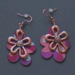 fleur (fabrikarine) Tags: fleur vintage collier bijoux plastic boucle fou cuivre doreille