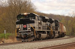 65R, NS 1066 @ Tipton (Clear333track1west) Tags: railroad heritage train railway trains pitl norfolksouthern emd newyorkcentral sd70ace pittsburghline heritageunit ns1066