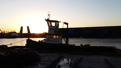 First rays of a new day (Frederik Kremer (FS)) Tags: winter harbour tugboat groningen eemskanaal firstrays