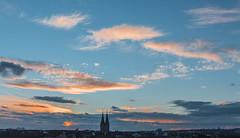 Abendhimmel mit Ringkirche (maikepiel) Tags: travel sunset sky clouds germany deutschland evening abend wiesbaden cityscape colours sonnenuntergang himmel wolken farben ringkirche