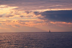 vela (fbxsa) Tags: barca tramonto sfumature
