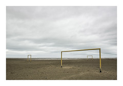 pitch by the sea (der zweite blick!) Tags: france landscape goal frankreich december pitch tor dezember landschaft departementnord gravelines 2015 bythesea ammeer newtopographics derzweiteblick manalteredlandscape côted'opale fusballfeld andreasjurgenowski der2teblick dieanderelandschaft thedifferentlandscape