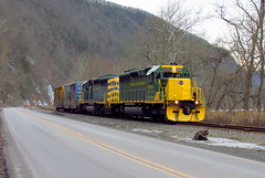 PIME on the move (Hank Rogers) Tags: pa pennsylvania ransom duryea rr railroad train rn readingnorthern pime trainpime 3050 3052 rn3050 rn3052 rbmn ice cold winter mountain cliff icy frozen freight industry industrial economy economic move movement products productivity rail system traffic