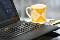 Notebook e Caneca (fotografia_cnj) Tags: caneca porttil notebbok computafor