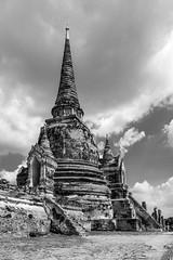 Wat Phra Si Sanphet (Plu80) Tags: bw white black canon thailand temple blackwhite ruins si bn wat buddism thailandia capodanno phra ayutthaya tempio 2016 2015 sanphet 660d