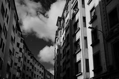 _DSC0754_editado-1 (adrizufe) Tags: windows bw blackwhite arquitectura edificios nikon ngc bn ventanas fachada blanconegro gipuzkoa eibar nikonstunninggallery aplusphoto d7000 adrizufe adrianzubia bidebarrietakalea
