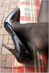 P3120822f (Sarka Encasement) Tags: reflection art shoe shoes arch essence sole