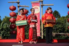 IMG_2055 (Confucius Institute at SDSU) Tags: leah chinesenewyear institute cny erhu confucius seaworld ci lunarnewyear abacus mrhan hulusi abboud lny guzheng taiqi piatt liuyi confuciusinstitute siufong mrcao cisdsu sixarts rogercao leahmarkworth 6arts siufongevans kuaiban piattpundt hanlaoshi