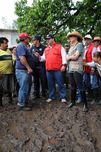 Recorre Javier Duarte zonas afectadas 2