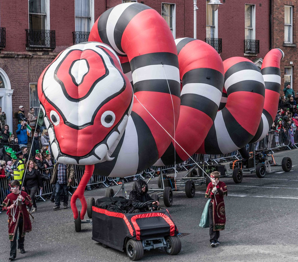 RETURN OF THE SNAKES BY BUI BOLG [SAINT PATRICK'S DAY PARADE]-112701