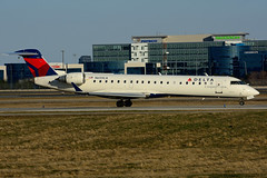 N659CA (GoJet Airlines) (Steelhead 2010) Tags: yyz unitedairlines crj bombardier crj700 unitedexpress nreg gojetairlines n659ca