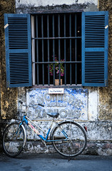 No Parking (Ineke Struk) Tags: old bike ancient vietnam colourful
