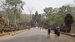 Angkor Thom Entry Door (picturesfrommars) Tags: cambodia kambodscha siem reap thom angkor wat a6000 selp1650