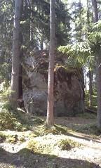 Viherkosken siirtolohkare (Mr. Arthur S. Rowan) Tags: archaeology rock ancient boulder sacred petroglyph rockart cavepainting parietalart prehistoricart redsoil joutsa glacialerratic kalliomaalaus sacredplacesoffinland kalliotaide
