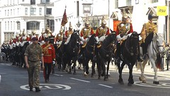queen,s lifeguards-household cavalry mounted regiment-freedom of the city of london 20 04 2016 (philipbisset275) Tags: city london freedom unitedkingdom parade cityoflondon centrallondon queenslifeguards englandgreatbritain householdcavalrymountedregiment 20042016
