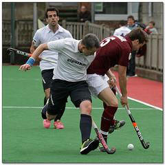 Hockey - 33 (Jose Juan Gurrutxaga) Tags: hockey field sansebastian atletico hierba egara belar file:md5sum=553afa61ea8bd870a0e69f68f217cd8e file:sha1sig=4341694648b0abe7b03d1311f1945e00d2df85bc