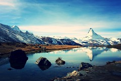 Zermatt (frnzi87) Tags: mountain switzerland see hiking spiegel herbst zermatt matterhorn bergsee wallis wanderung