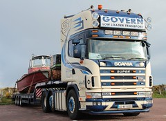Govern 164L (fannyfadams) Tags: uk ireland irish wagon lorry anglesey northwales holyhead 4series scania164l governlowloadertransport