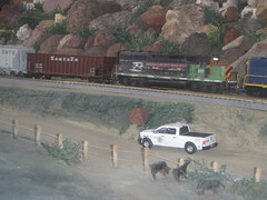 Headed to the pit .1/18/2016 (THE RANGE PRODUCTIONS) Tags: train toy layout model cattle atlas greenlight dioramas diecast hoscale athearn 164scale diecastdioramas hoscalefigures