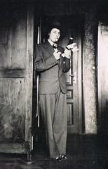 She's a Man (TrueVintage) Tags: 1920s woman costume suit oldphoto frau past foundphoto anzug vergangenheit vintagephoto verkleidung 1920erjahre dressedlikeaman