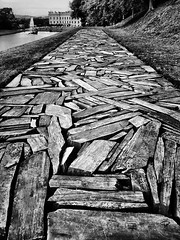 Cornwall Slate Line (firstnameunknown) Tags: texture monochrome blackwhite long path slate b4 chatsworth chatsworthhouse vsco iphoneography gardenbeyond limitsmodernartsculpturerichard