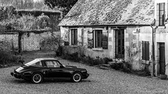 Black Targa (christian.grelard) Tags: blackandwhite bw house black monochrome car canon eos automobile noiretblanc 911 nb porsche maison targa cabriolet 700d canonfrance