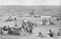 Angelholms havsbad (Michael Erhardsson) Tags: strand sweden postcard sverige posta ngelholm vykort mnniskor havsbad badplats hlsning skicka