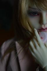 Androgynous II (junjun_niki) Tags: boy white doll skin liam bjd byron dz androgynous dollzone