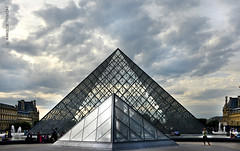 LOUVRE PYRAMID (FRANCE, PARIS, FIRST ARRONDISSEMENT) (KAROLOS TRIVIZAS) Tags: paris france glass metal museum architecture clouds yard buildings design pyramid louvre landmark courtyard palace tourists pools fountains visitors pei controversial sightseen