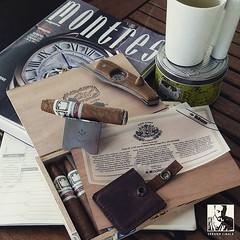 It's tea time!  Almond green tea, green band cigar .... All green everything!  #RamonAllones #ShortPerfecto #favoritesmokes (steven_cigale) Tags: cigar cigars luxury cigares cigare zigarre cigaraficionado aficionado cigarsmoking cigarsmoker botl  cigarporn   cigarlover  cigarlife cigarians cigaroftheday cigarsmokingmodel amateurdecigare p1p2c
