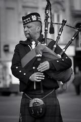piper (Mal Urwin) Tags: kilt takumar bagpipes manualfocus scotish newcastleupontyne