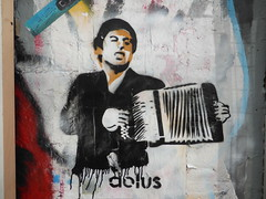 graffiti, Shoreditch (duncan) Tags: streetart graffiti stencil accordion shoreditch scarface