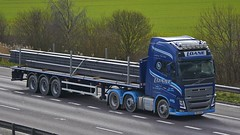 OIG 4455 (panmanstan) Tags: truck wagon volvo motorway m18 yorkshire transport lorry commercial vehicle fh flatbed langham