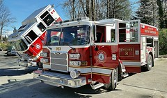 North Vancouver District, BC Engine 4 and Engine 3 (walneylad) Tags: canada britishcolumbia firetruck deepcove pierce fireengine arrow seymour montroyal bomberos firedepartment firebrigade pumper pompiers firerescue bombeiros fireservice emergencyvehicle engine3 fireapparatus engine4 firevehicle northvancouverdistrict pumpladder